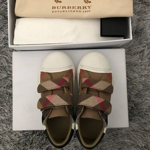 Burberry Check sneakers EU size 26